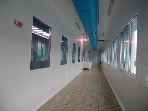 Climatizzazzione Ambienti Lavoro con con tubo centrale corridoio