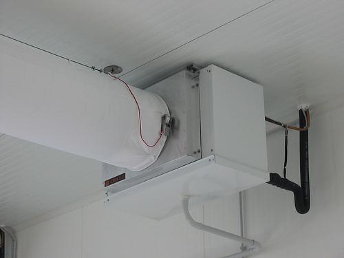 Climatizzazione Ambienti Lavoro con tubo e unità UTA