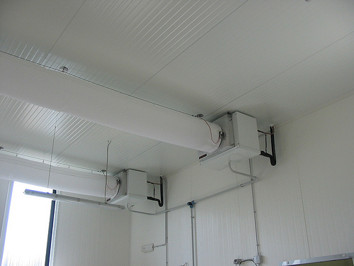 Climatizzazione Ambienti Lavoro con 2 tuboni e UTA
