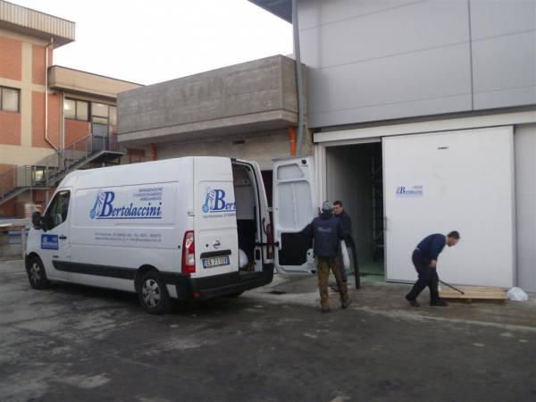 Furgone-officina - Installazione impianto refrigerazione cella frigo conservazione pelli grezze